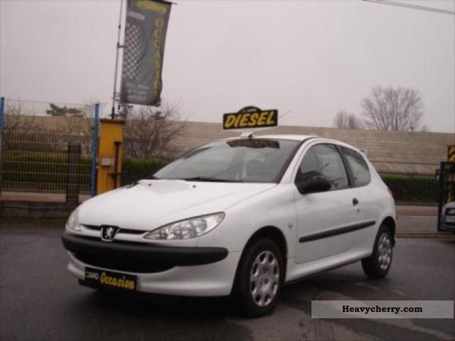 Peugeot 206 1 4 Hdi Ste Affaires Pack Cd Clim 2004 Box Truck Photo And Specs