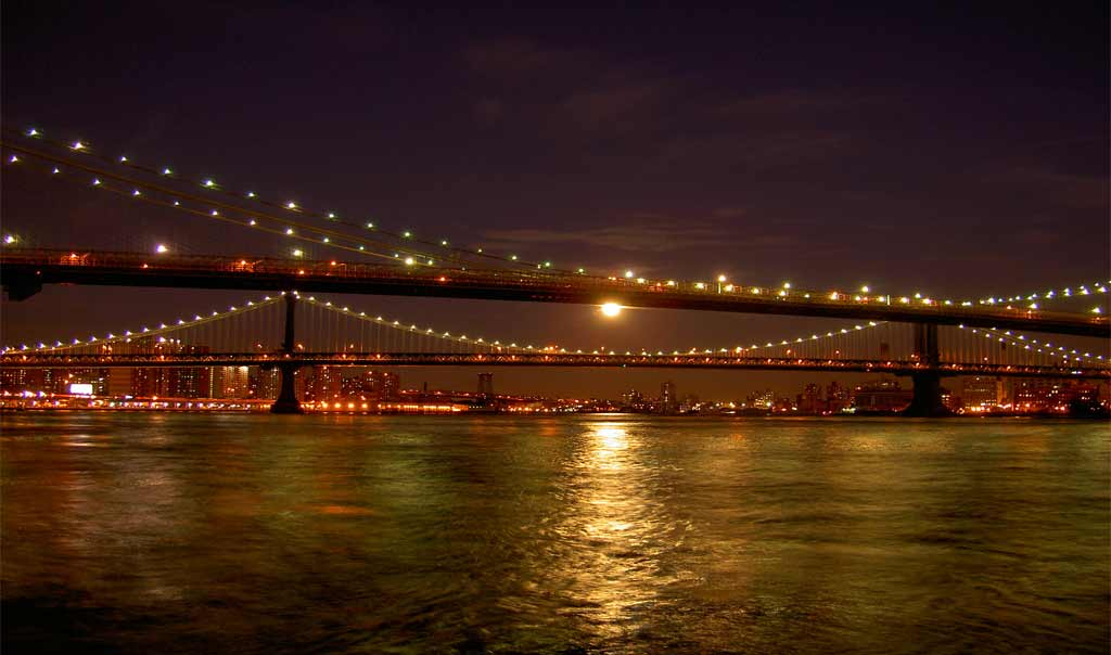 גשר ברוקלין בלילה