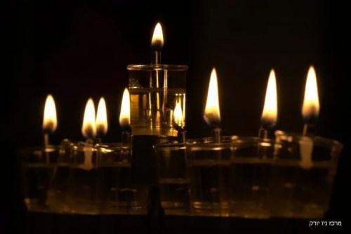 חנוכית שמן 8 נרות חנוכה