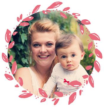 Hebamme Wiebke mit ihrer Tochter Mina