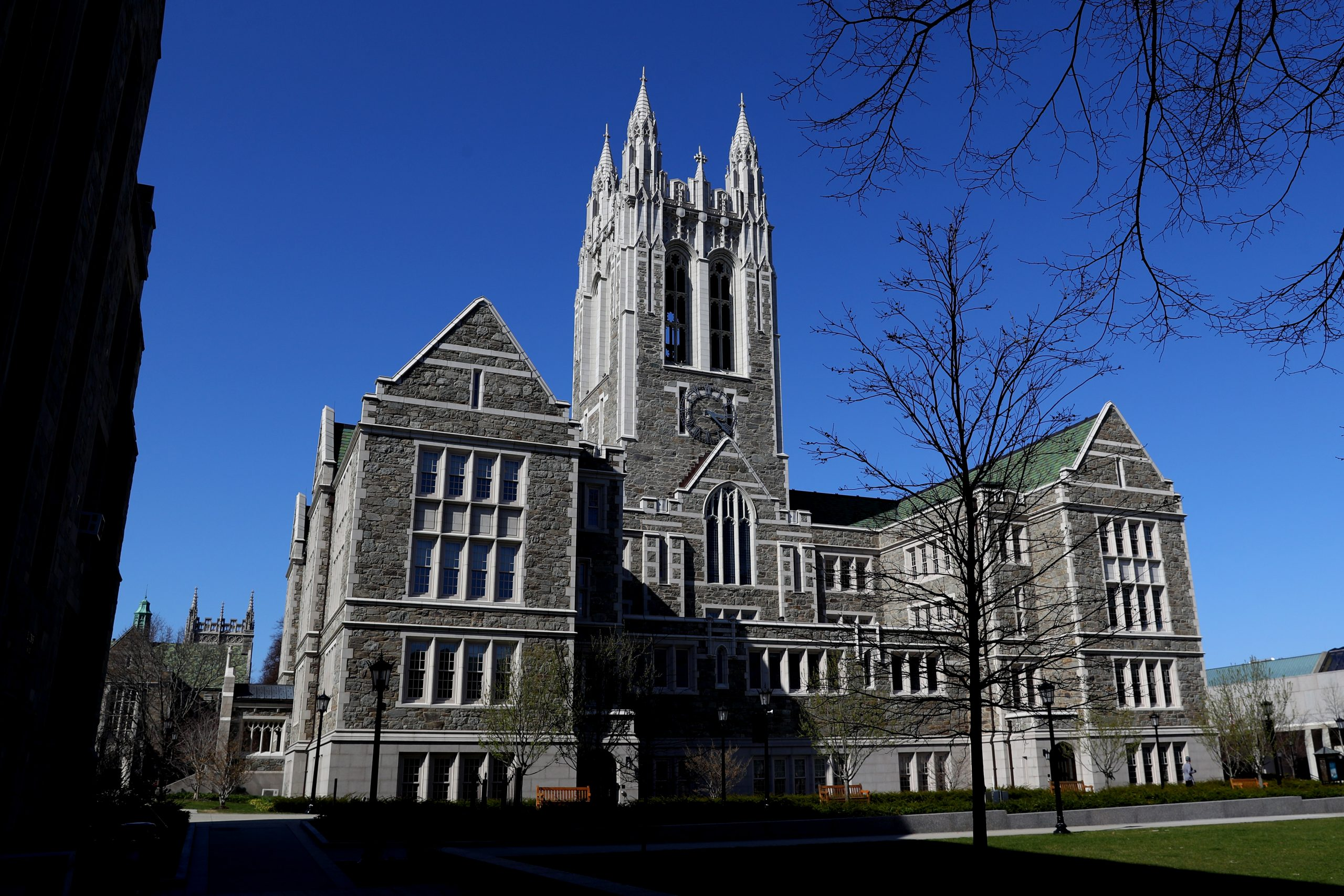 Some colleges have stopped pushing undergrads to pick majors right away