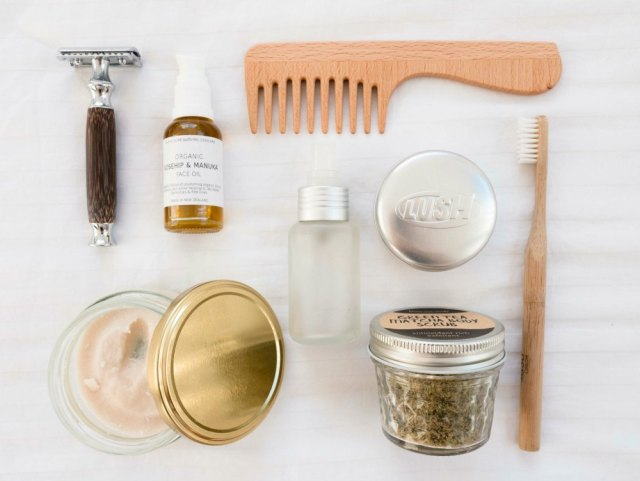 waste-free bathroom, sustainable self-care products
