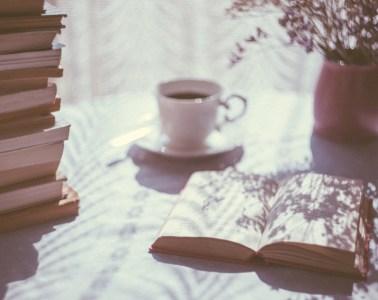 ../../Downloads/blur-book-books-176103.jpg