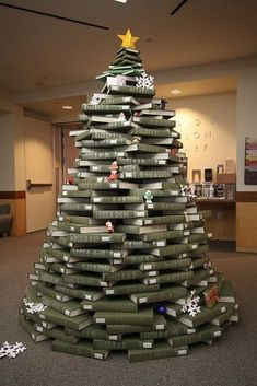 Reader's Guide Christmas Tree
