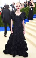 rs_634x1024-170501192405-634.Kate-Bosworth-Met-Gala-2017-Arrivals.ms.050117