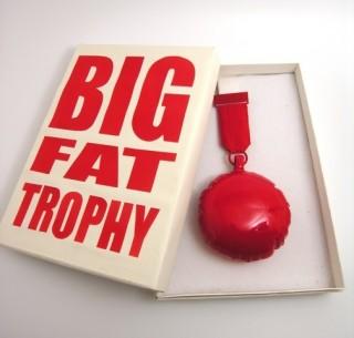 Noon Passama, trofee voor Ted Noten, 2008, karton