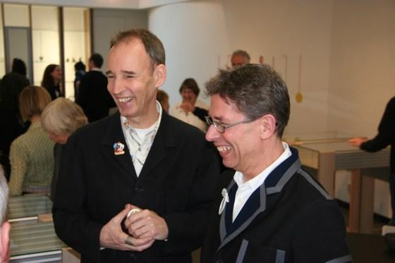 Ward Schrijver en Rob Koudijs tijdens de opening van Galerie Rob Koudijs, 2007, interieur, portret