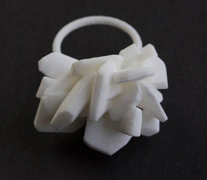 Luzia Vogt, Sugar Crystal, ring, 2014, kunststof