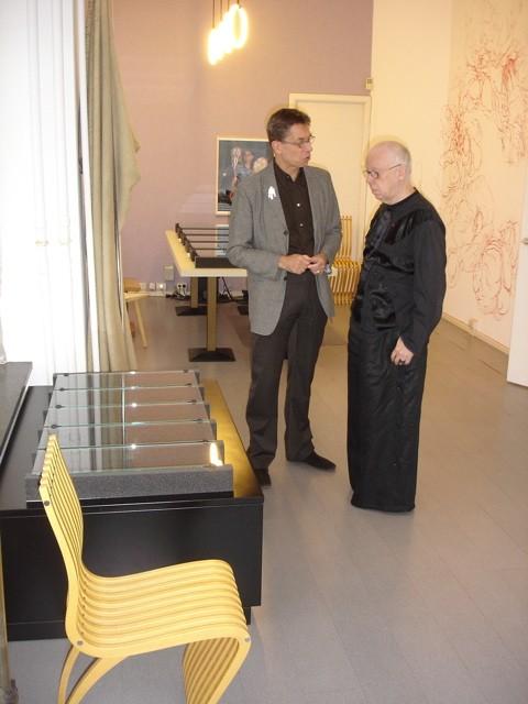 Rob Koudijs en Paul Mertz. Presentatie Collectie Françoise van den Bosch, 2007, portret, interieur