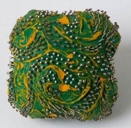 Beppe Kessler, Pin brooch, broche, canvas, verf, metaal