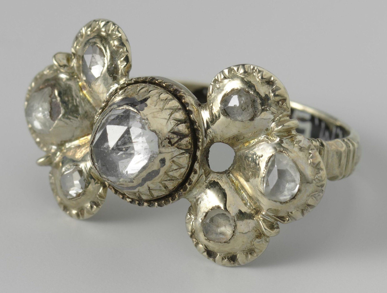 Anoniem, ring, 17de eeuw. Collectie Rijksmuseum, BK-NM-5752, publiek domein (CC0 1.0)