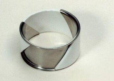 Bruno Ninaber van Eyben, armband, 1975. Foto met dank aan SMS©