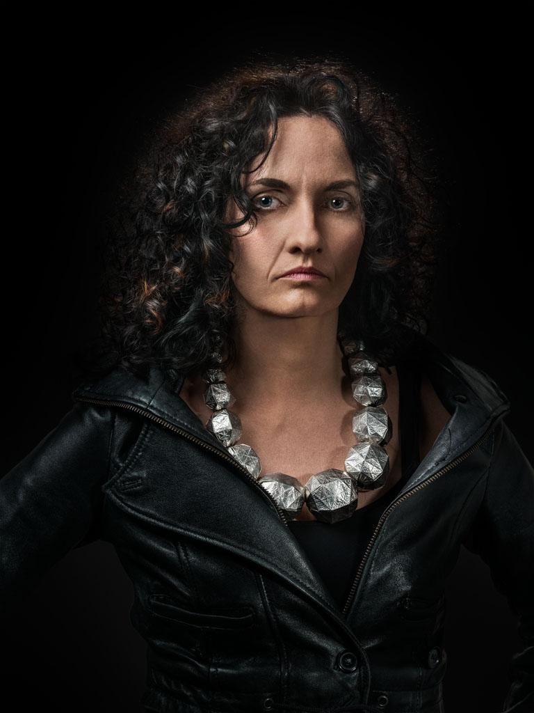 Susanna Loew gedragen door Janita. Foto met dank aan Galerie Marzee, Johannes van Camp©