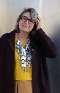 Liesbeth den Besten met halssieraad van Lisa Walker. Foto MisjaB©