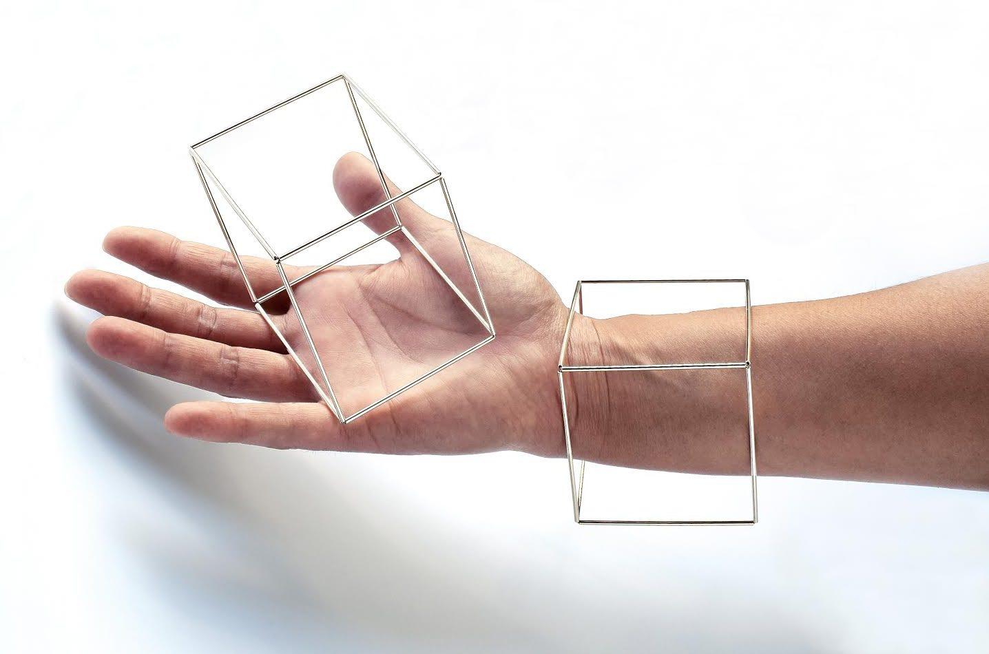 Yoko Takirai, Cube, armband. Foto met dank aan Yoko Takirai©