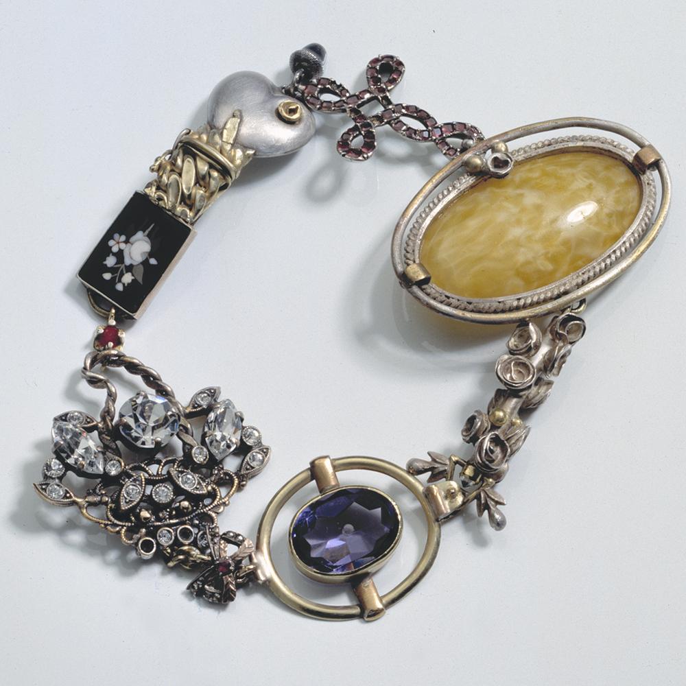 Truike Verdegaal, Eclect I, armband. Foto met dank aan Truike Verdegaal©