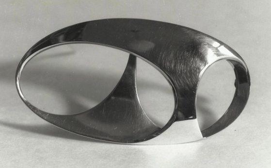 Riet Neerincx, broche, 1964, zilver