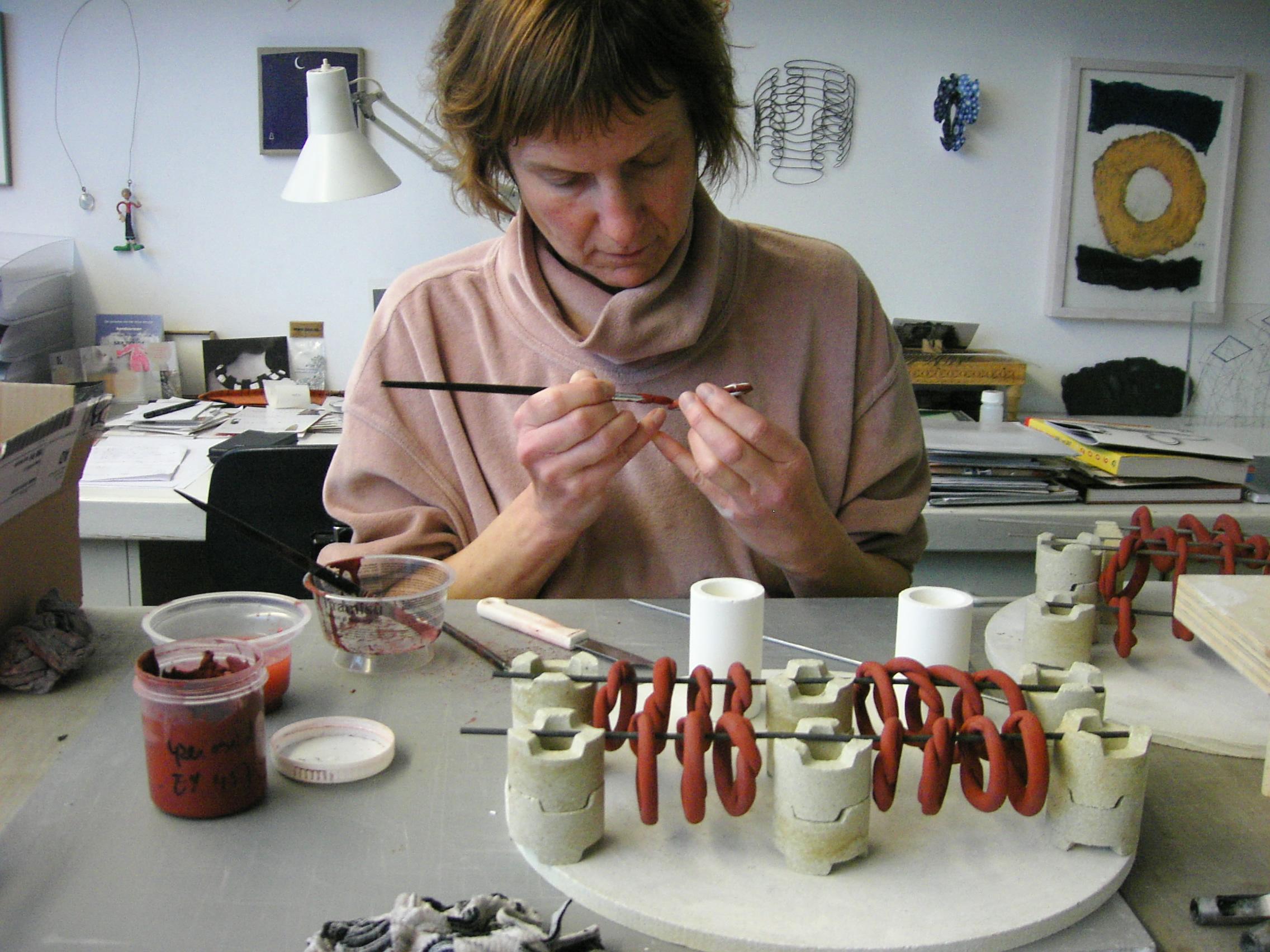 Maria Hees in haar atelier, 2006