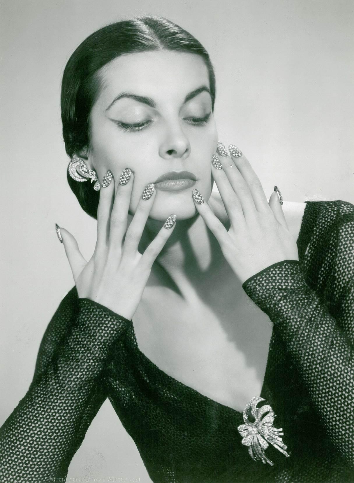 Mellerio, nagels van palladium en diamant, 1953. Collectie Mellerio. Foto met dank aan ADAGP, Mellerio©