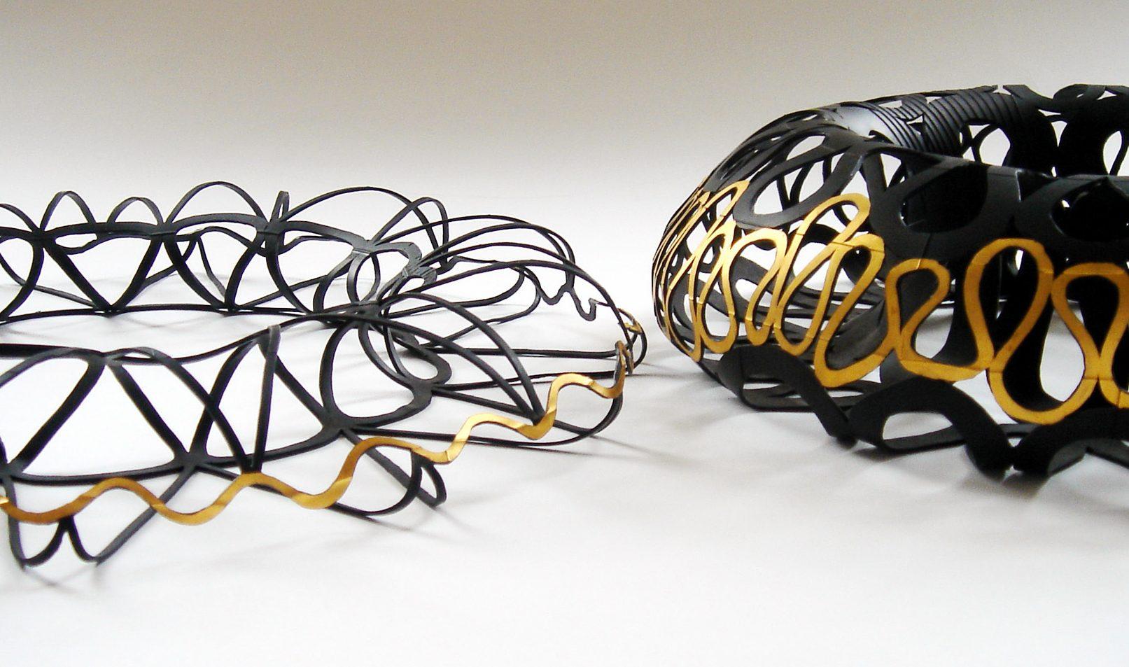 Thea Tolsma, 7 Wave en Spherical 4, halssieraden. Foto met dank aan Thea Tolsma©