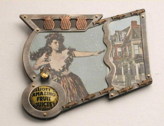Betsy King, Crime of passion fruit, broche, 1990. Collectie Design Museum Den Bosch, metaal