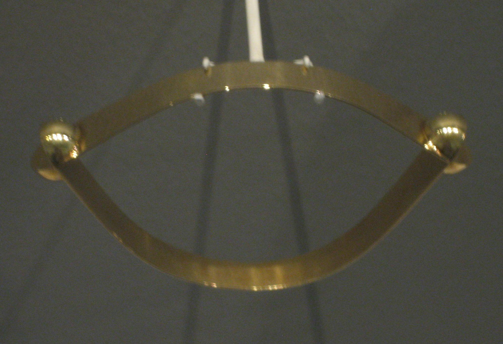 Riet Neerincx, Twee kwartbollen, armband, 1969. Museum Arnhem, koepelzaal, juli 2017, goud