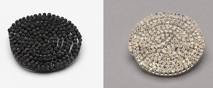 Marian Hosking, broches, 2013, zilver