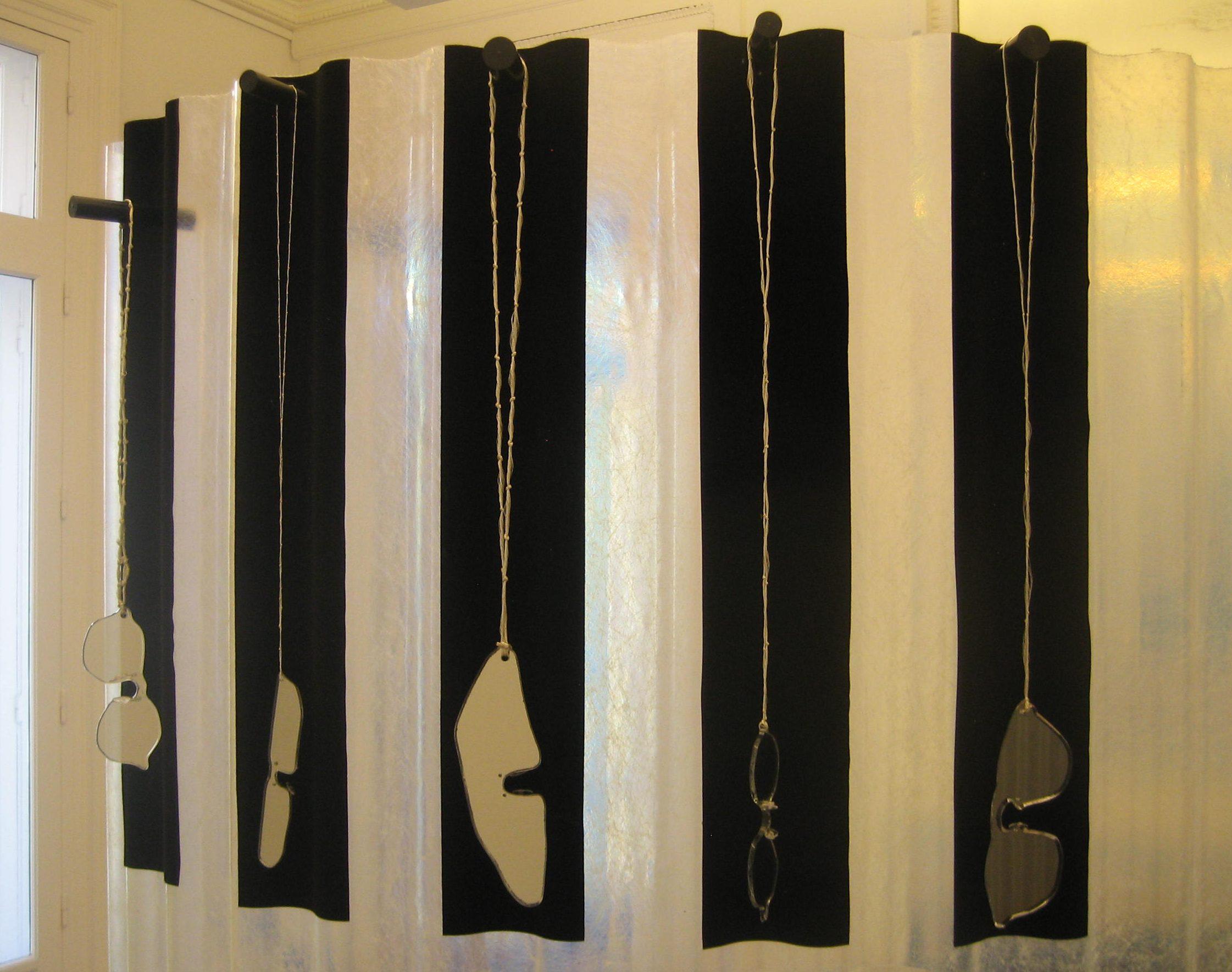 Morgane de Klerk, halssieraden. Stralen & Reflecteren, Atelier Néerlandais, Parijs, oktober 2017, tentoonstelling