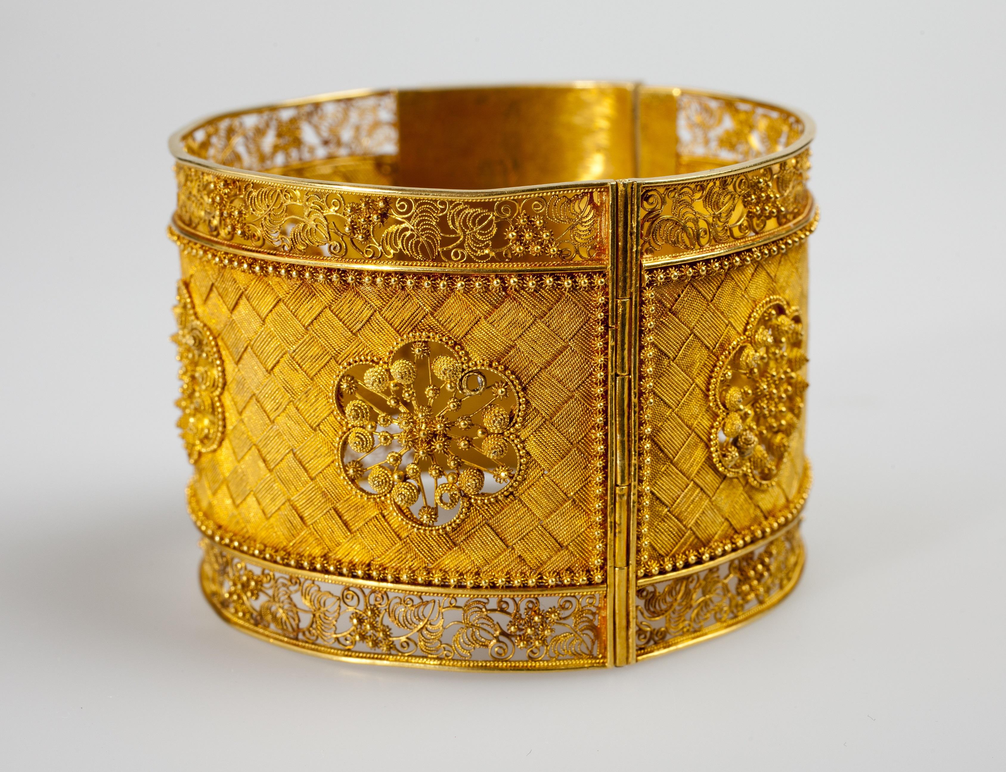 Armband, Zuid Sulawesi, 20ste eeuw. Foto met dank aan Museum Volkenkunde©
