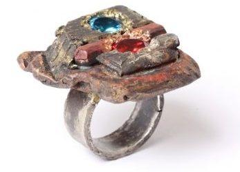 Karl Fritsch, ring, 2013. Foto met dank aan Ornamentum Gallery©
