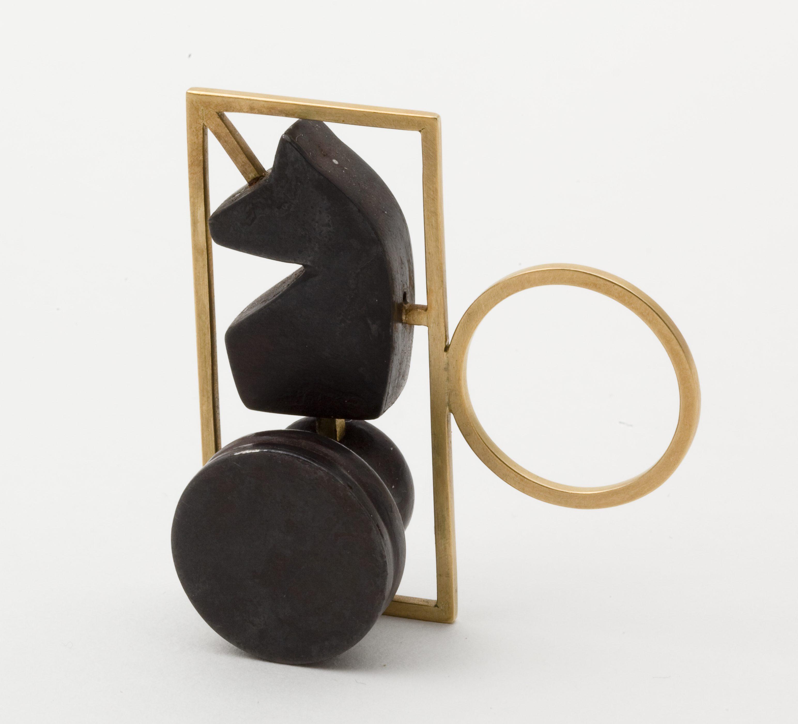 Ted Noten, ring. Collectie Jurriaan van den Berg. Foto met dank aan CODA©