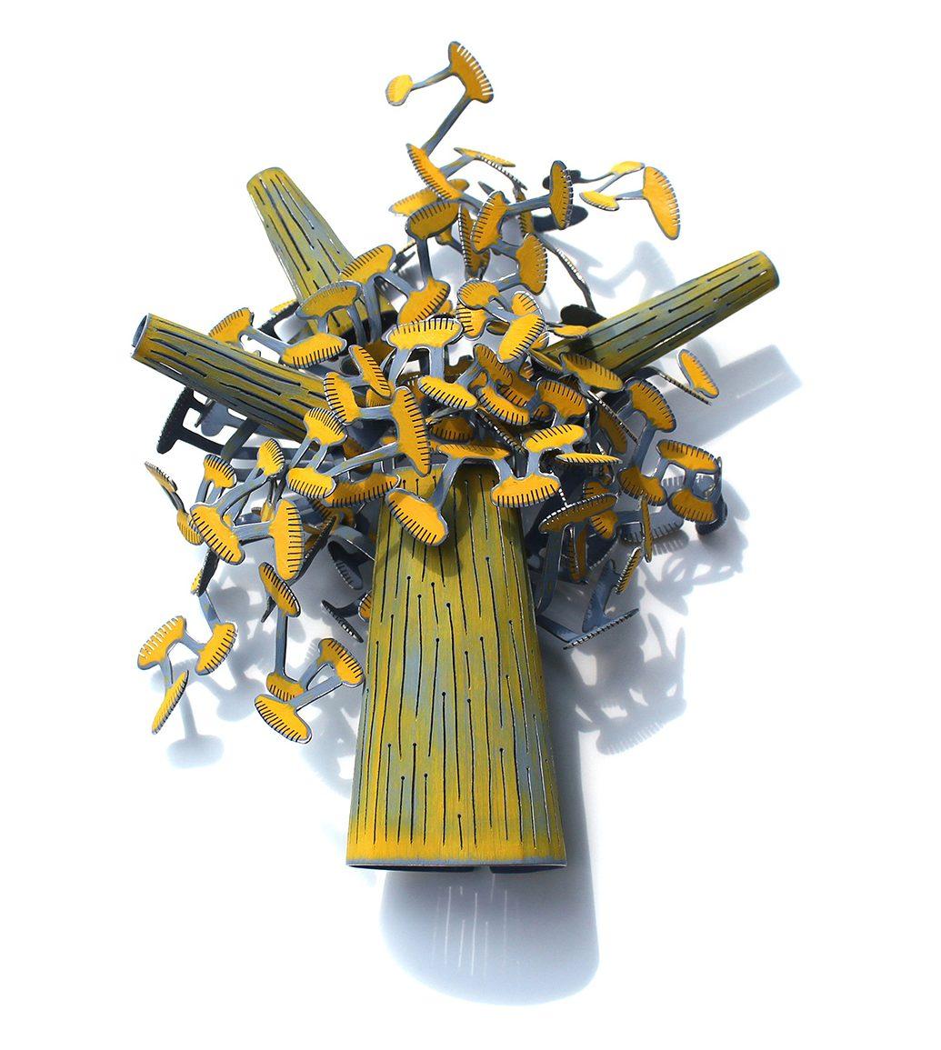 Mirjam Hiller, Yellow Blue Tree broche, metaal, coating