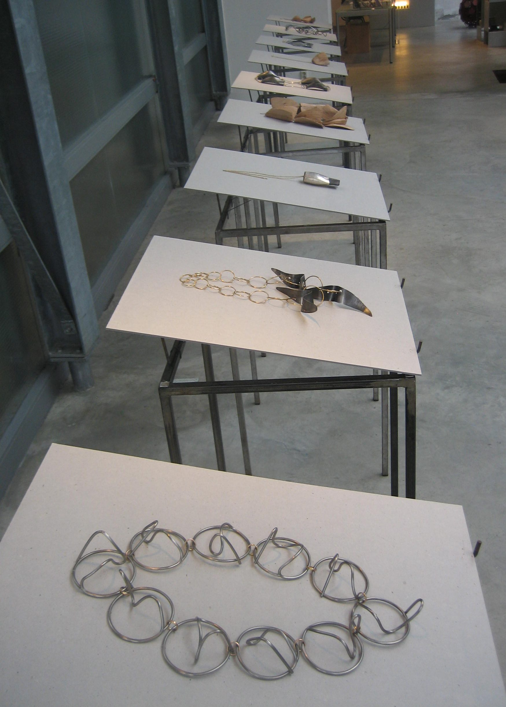 Dorothea Prühl, halssieraden. Galerie Marzee, januari 2018, tentoonstelling