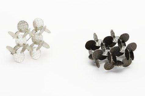 Silke Trekel, Modules II, broches, 2008. Foto met dank aan Galerie Marzee©