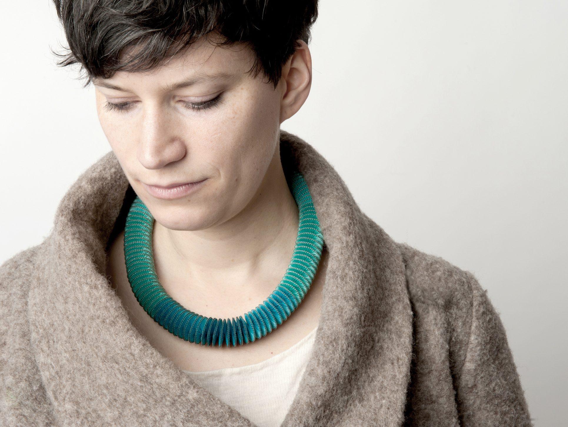 Anke Hennig, Basic I, halssieraad. Foto met dank aan Anke Hennig©