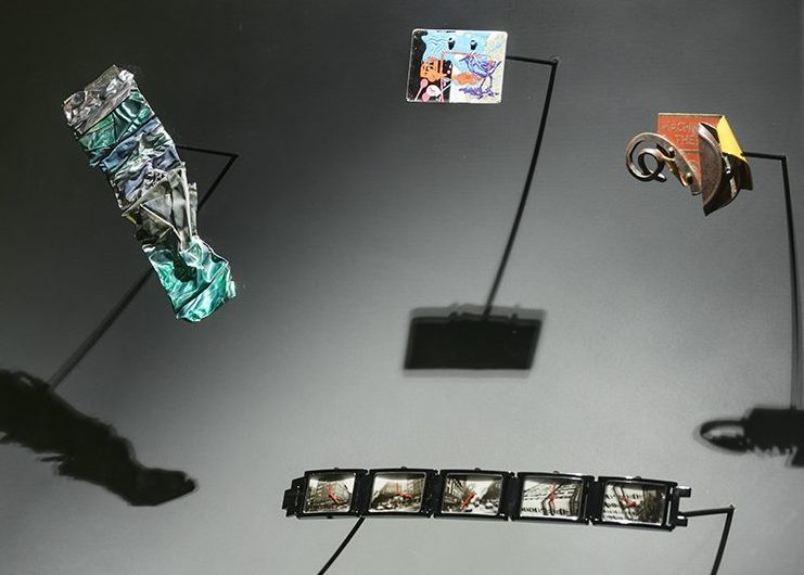 Andy Warhol, horloge. De Calder à Koons, 2018. Foto met dank aan Musée des Arts Décoratifs Parijs, Luc Boegly©