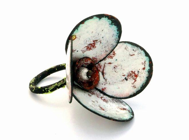 Francesca di Ciaula, ring, metaal, email