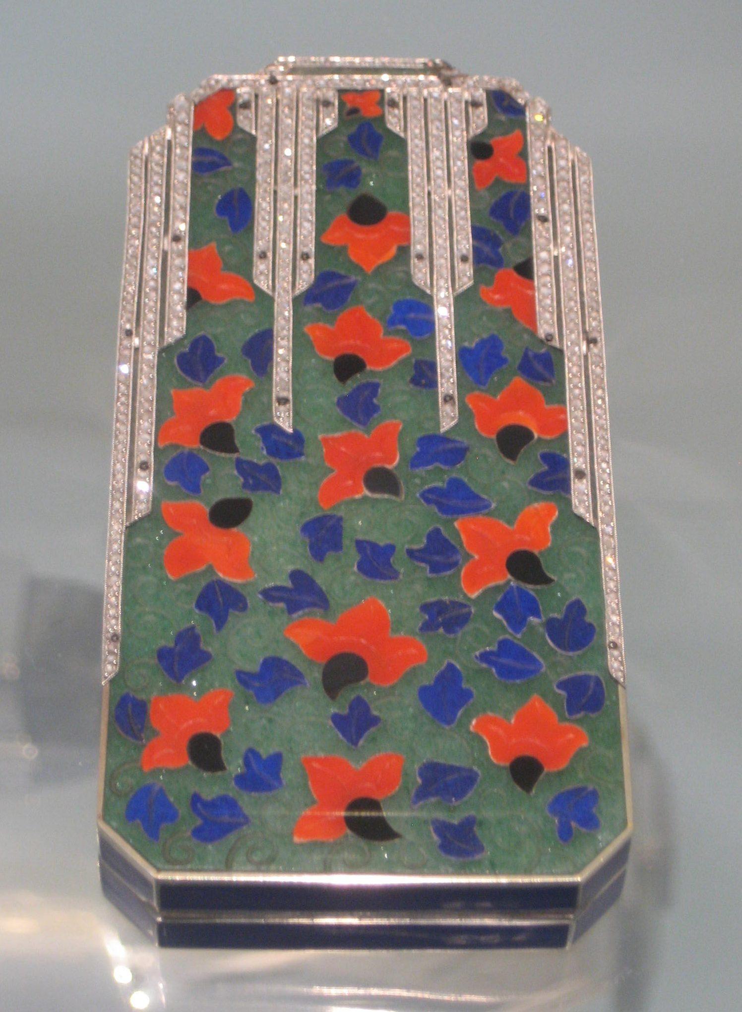 Lacloche Frères, make-up etui, circa 1925. Collectie Badisches Landesmuseum, 74/97, diamanten, metaal
