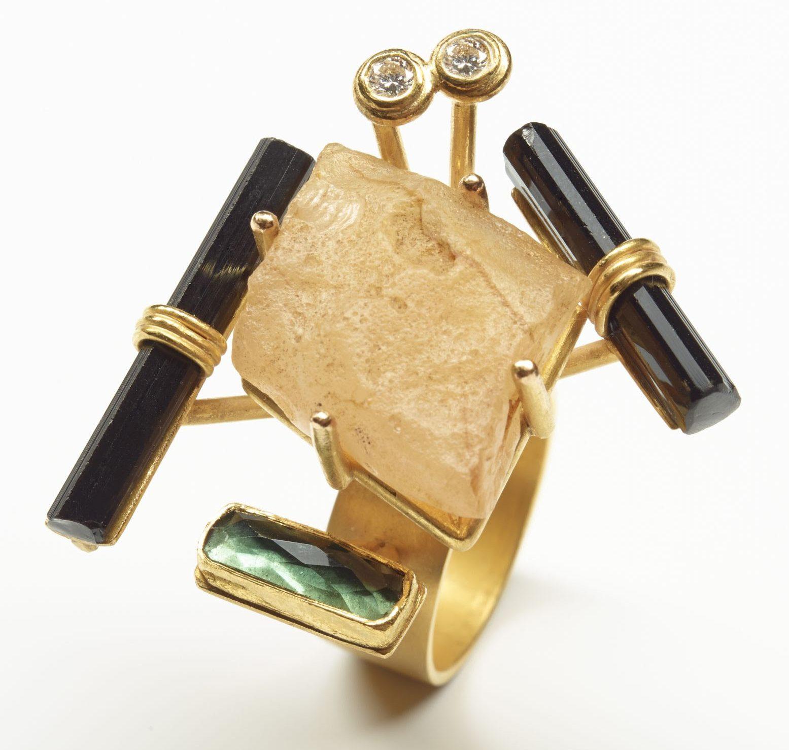 Rike Bartels, Trotzki, ring, 2014, goud, stenen