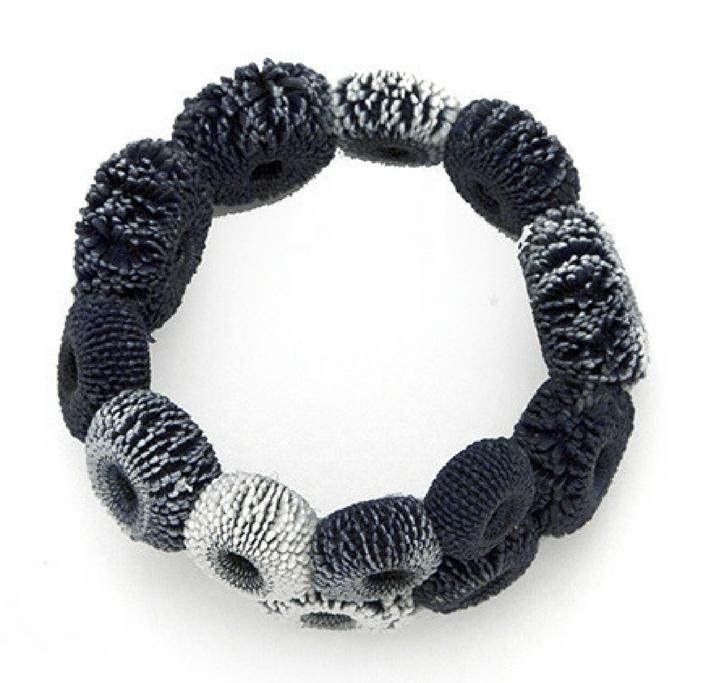 Tzuri Gueta, Oursin Zabadia, armband. Foto met dank aan Tzuri Gueta©