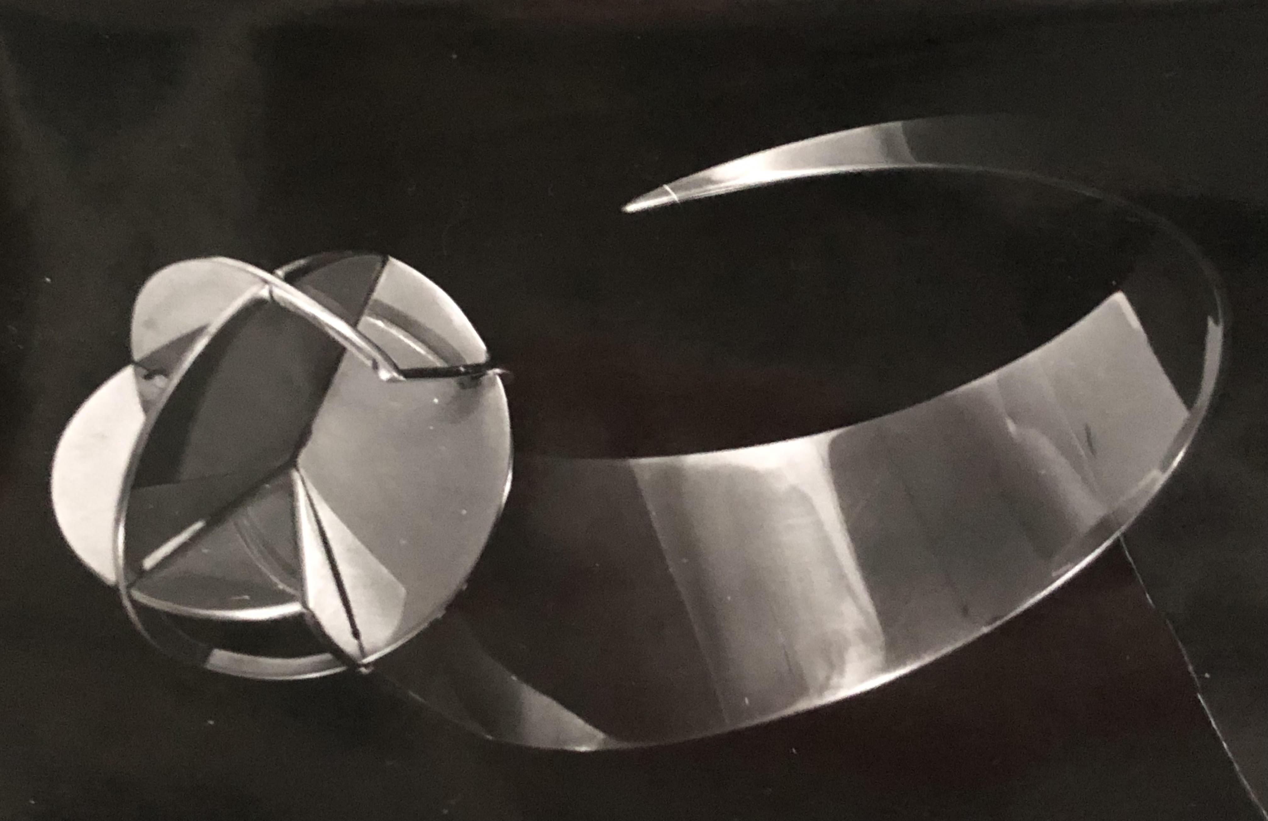Nicolaas van Beek, armband, collectie Riet Neerincx, metaal