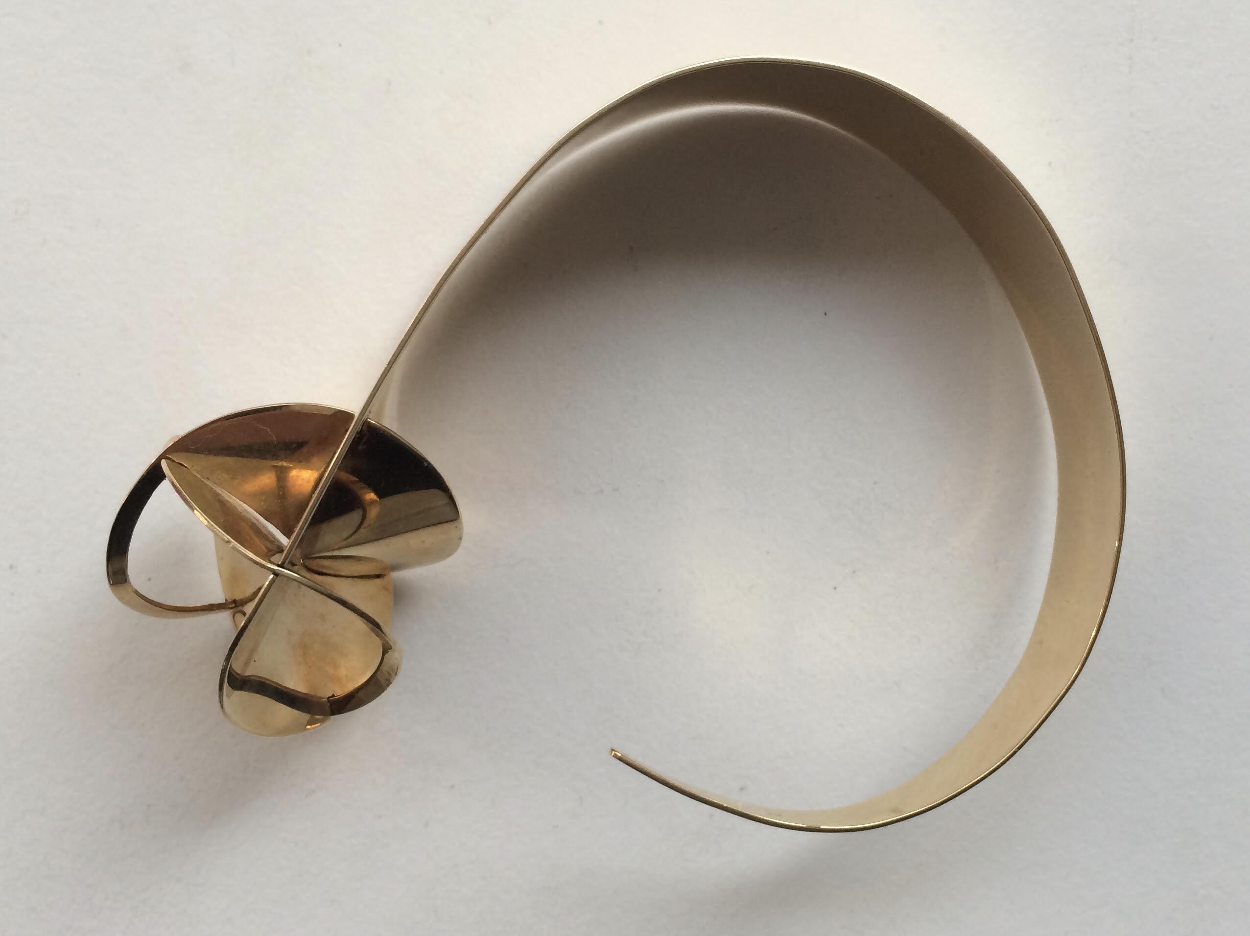 Nicolaas van Beek, armband, 1966. Collectie Riet Neerincx, metaal