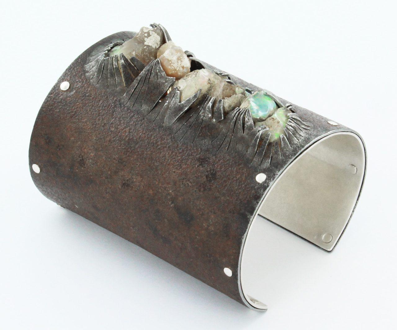 Marianne Anselin, armband, metaal, opalen
