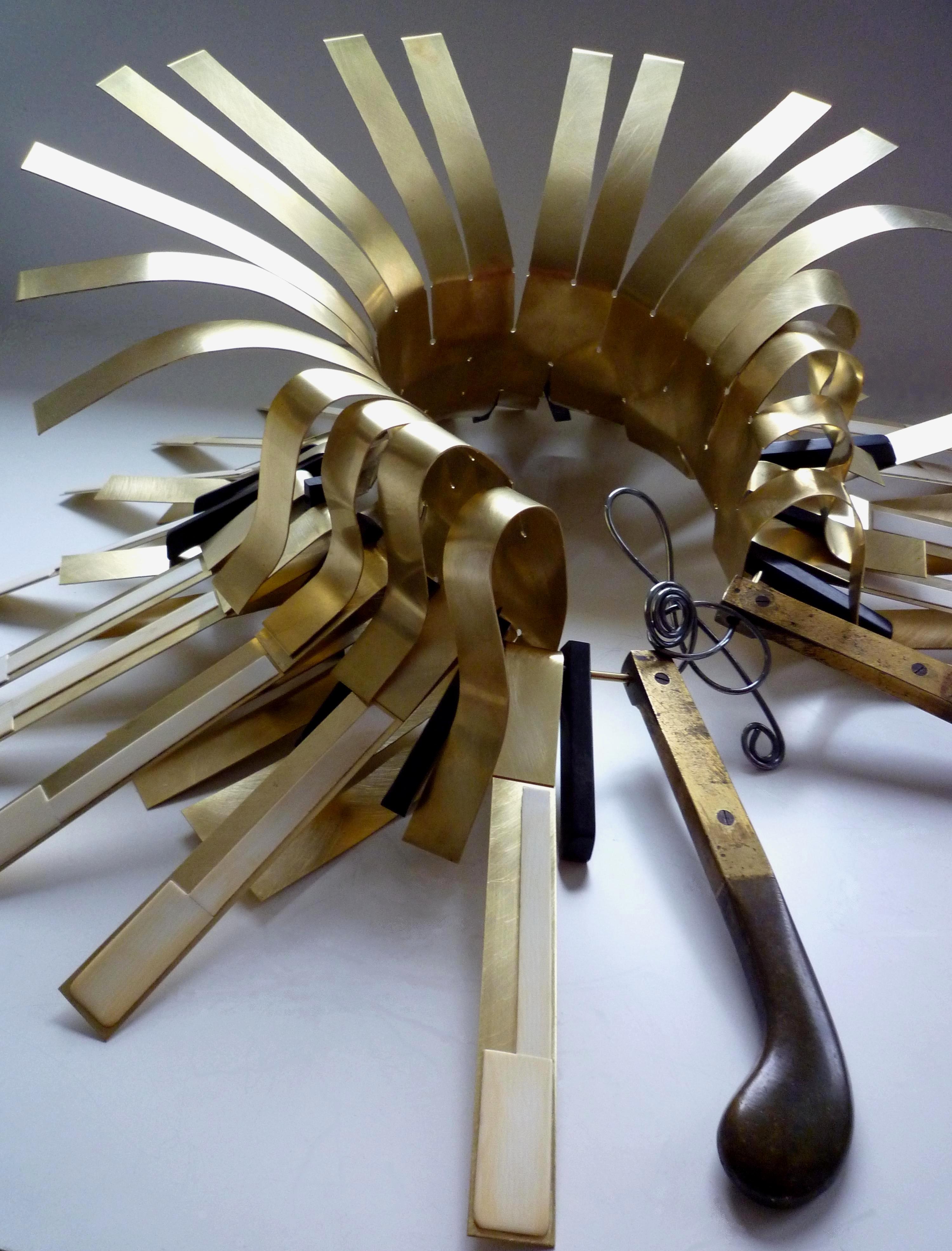 Alina Alamorean, Chopin, halssieraad, 2012. Collectie S. Thierry-de Saint Rapt, metaal