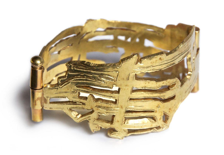 Rudolf Kocéa, Bündel, armband, 2004. Foto met dank aan Galerie Marzee©