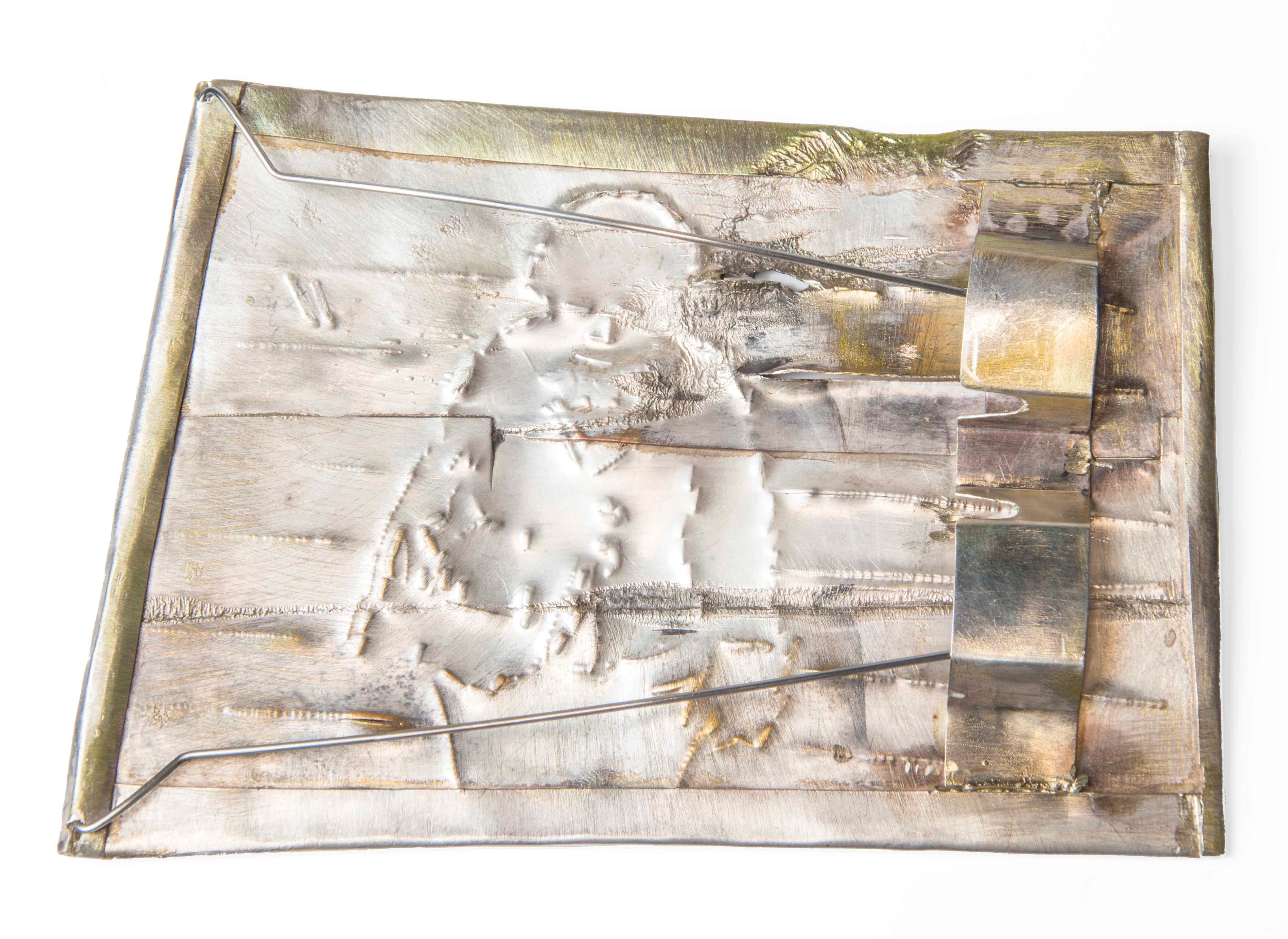 Rudolf Kocéa, Angela's lauf, broche, 2016, achterzijde. Collectie CODA, C005445. Foto met dank aan CODA©