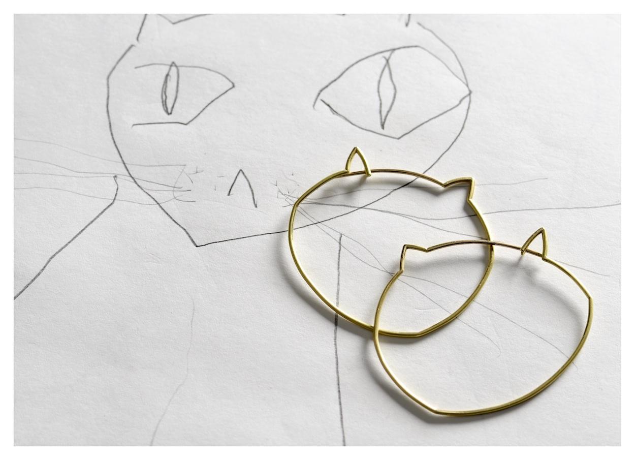 Rike Bartels, Mao, oorsieraden, 2015, goud, tekening, papier