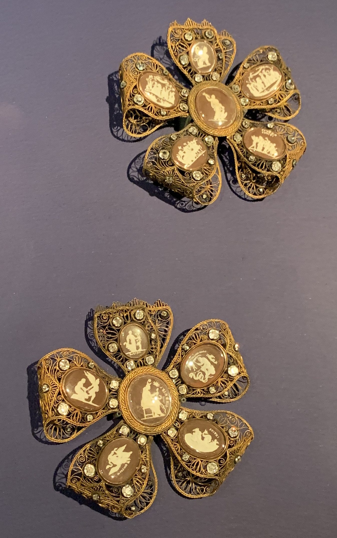 Juwelen! Hermitage Amsterdam, 2019. Atelier Duval, broches, 1795. Foto met dank aan SAF, Astrid Berens©