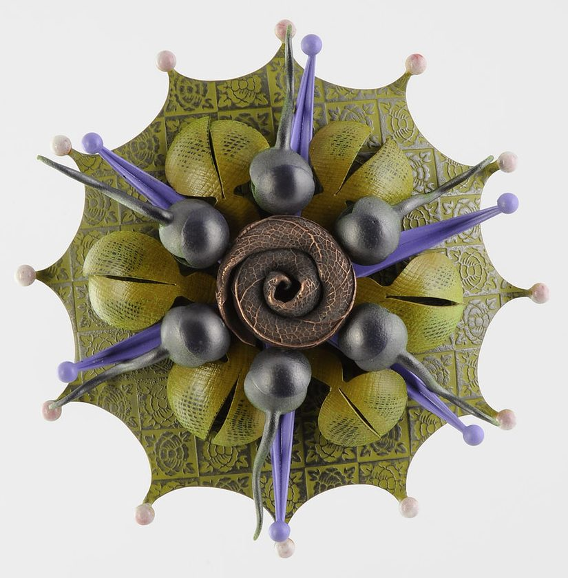 Linda Threadgill, Rosette Brooch 35-16, broche, 2016, metaal