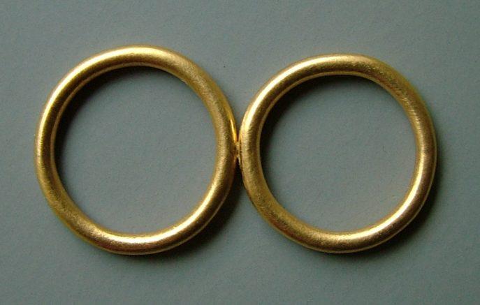 Joke Brakman, De ringen, trouwringen Paul Derrez en Willem Hoogstede, 2001, goud